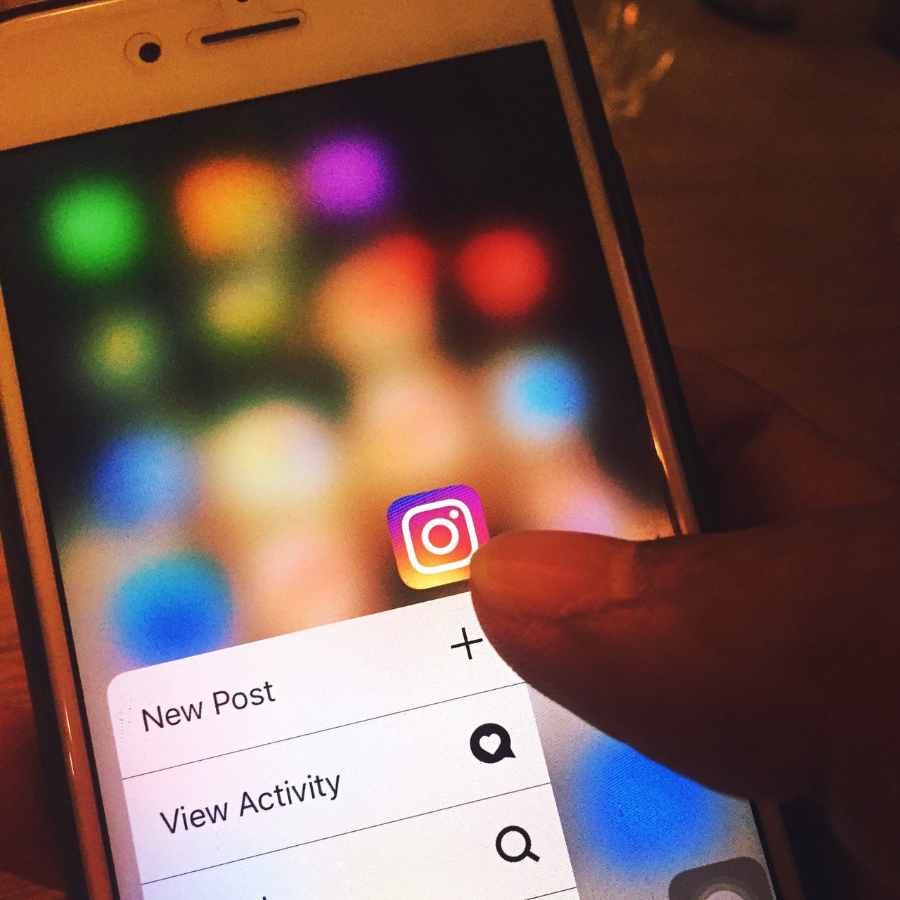 Ways to Promote Your Blog with Snapchat and Instagram for