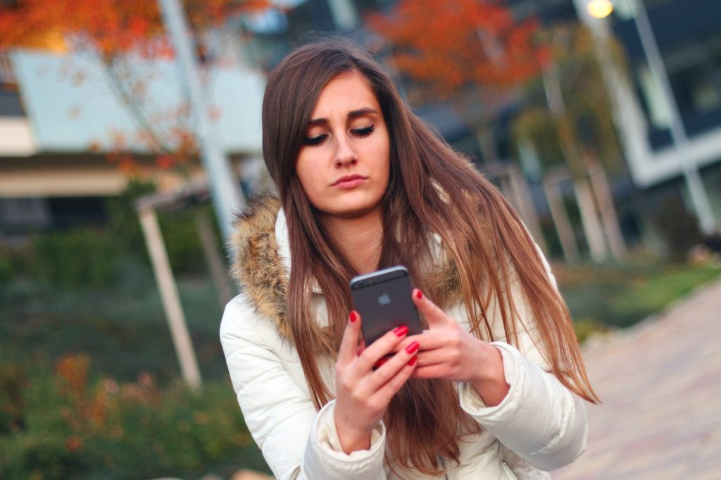 Nearly 50 Percent of US Teens Choose Snapchat over Other Social Networks