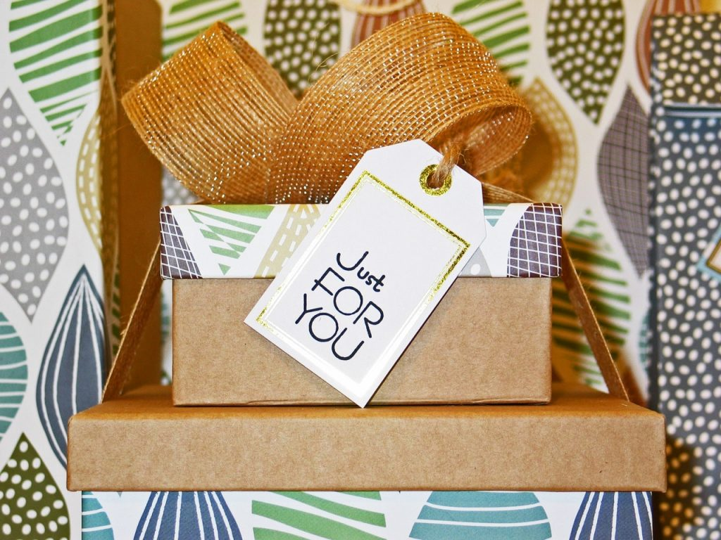 4 Ways to Turn Your Product into Someone's Perfect Gift